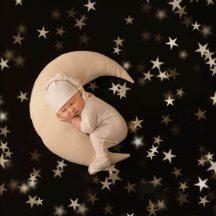 Baba Fotózás - Fehér Hold párna sapkával Készleten
